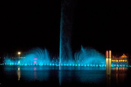 鸳鸯湖水上音乐喷泉
